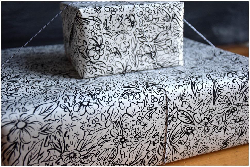 Paper_Black and White Floral_brainstorm-tile